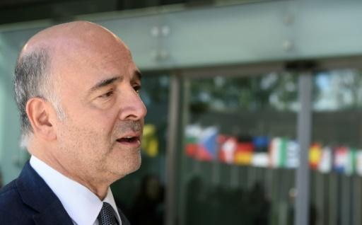 Européennes: Moscovici jette l'éponge, le PS dans le brouillard