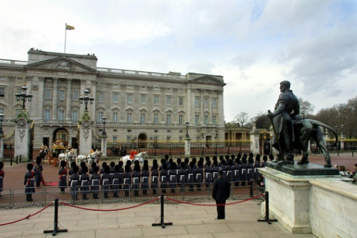 Buckingham Palace se vide avant d'importants travaux