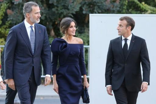 Macron visite l'exposition Miro avec le roi d'Espagne