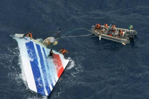 Crash du Rio-Paris: des familles craignent que l'expertise finale ne dédouane Airbus
