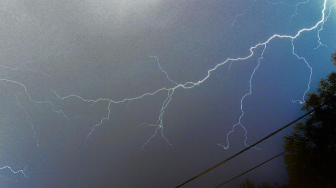 Prévisions météo: après les orages d'hier soir, le tonnerre pourrait encore gronder ce matin