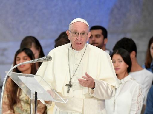 Abus sexuels: un cardinal défend le pape contre son accusateur Mgr Vigano