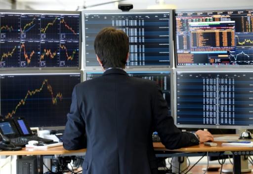 La Bourse de Paris reste fragilisée par la vigueur des taux américains