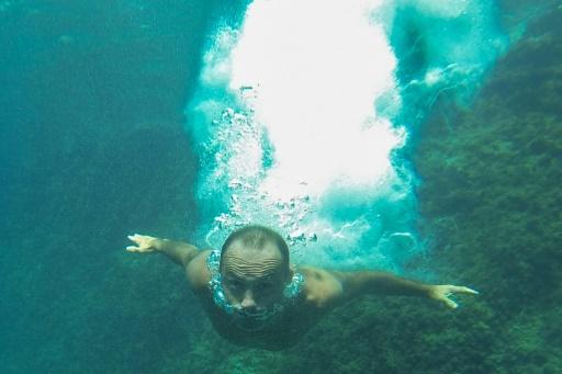 Le plongeur des calanques, Lionel Franc, bat son record du monde: 36m