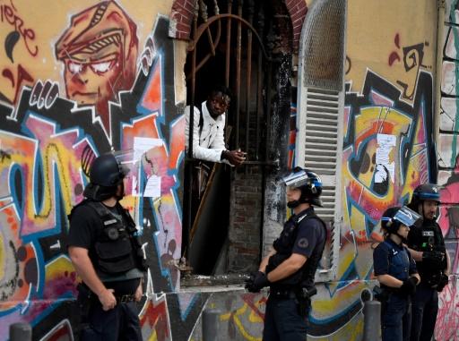 A Marseille, évacuation d'un squat ayant hébergé jusqu'à 200 migrants