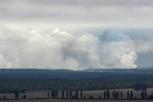 Ukraine: incendie et explosions dans un dépôt de munitions