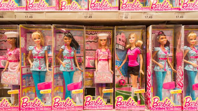 Barbie se lance officiellement dans la lutte contre les préjugés sexistes: comment la poupée va-t-elle s'y prendre?