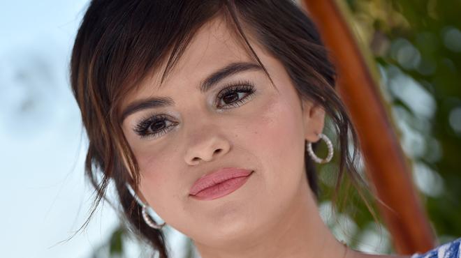 Selena Gomez internée d'urgence en hôpital psychiatrique: que s'est-il passé?