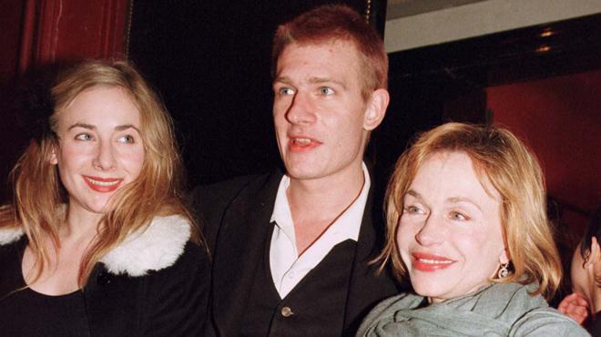 10 ans après la mort de Guillaume Depardieu, sa maman parle pour la première fois de son addiction à la drogue
