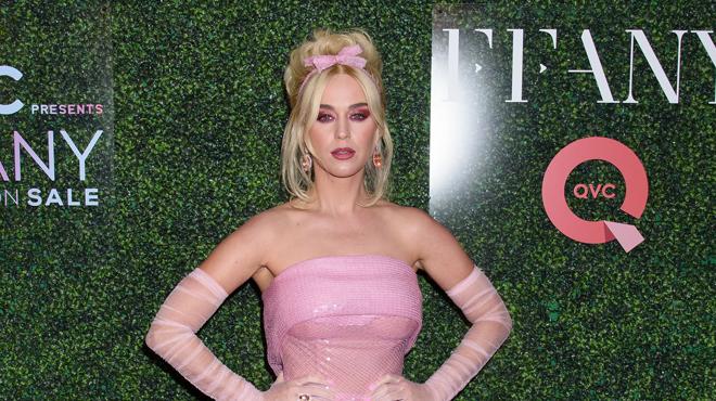 Reconnaissez-vous cette star habillée en Barbie?