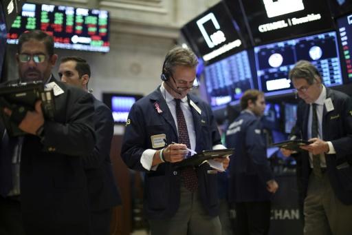 Wall Street, aidée par les valeurs technologiques, rebondit à l'ouverture