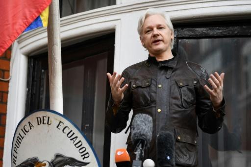 L'Equateur va rétablir partiellement les communications d'Assange dans son ambassade de Londres