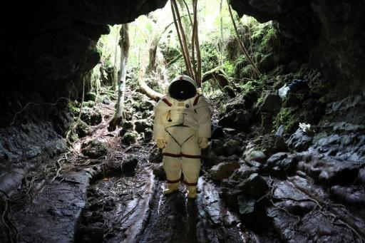 A la Réunion, les astronautes jouent les hommes des cavernes