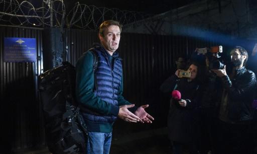 Russie : à peine sorti de prison, l'opposant Navalny poursuivi pour