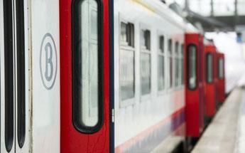 Pérulwez: un cycliste percuté par un train sur un passage à niveau décède sur le coup
