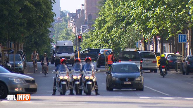 Des centaines de policiers se déclarent MALADES en vue du sommet européen- pagaille en vue à Bruxelles 1