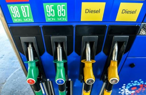 La hausse du prix des carburants, nouvelle épine dans le pied du gouvernement