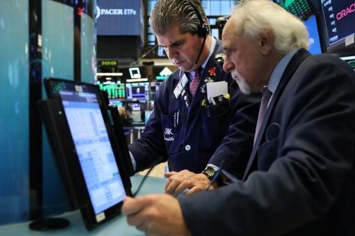 Wall Street, rattrapée par les craintes sur la montée des taux, ouvre en baisse