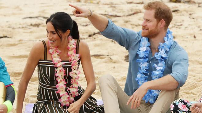 Australie: Harry et Meghan PIEDS NUS sur la plage mythique de Bondi Beach (photos)