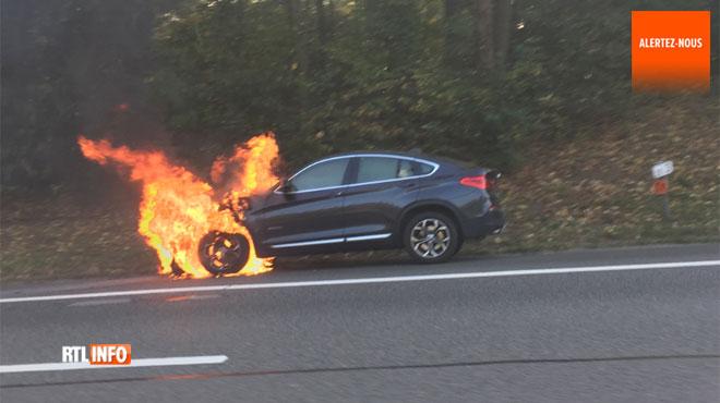Voiture en feu sur la E411 à hauteur de Louvain-la-Neuve: la circulation rétablie