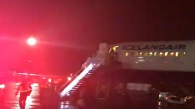 Québec : une vitre du cockpit se fissure, l'avion atterrit en urgence