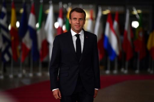 La cote de popularité de Macron stagne à 29%, celle de Philippe remonte