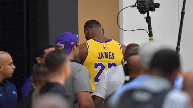 Grosse bagarre entre les Rockets et les Lakers