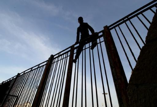 Espagne: un mort à Melilla, quelque 200 migrants entrent