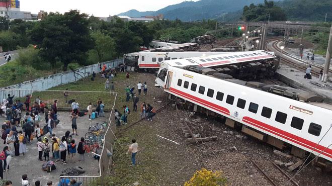 Déraillement d'un train à Taïwan: au moins 22 morts