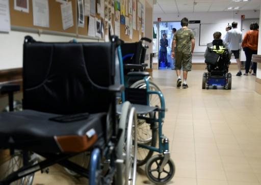 Handicap: le gouvernement lance une concertation pour