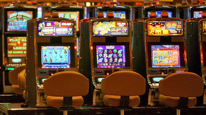 Un joueur accro aux machines à sous obtient le remboursement de 2,5 millions d'euros en Autriche