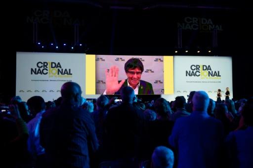 Catalogne : un an après l'échec de la sécession, Puigdemont lance un parti