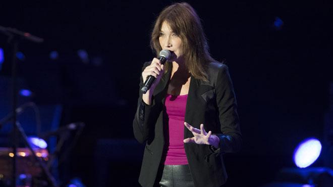 Carla Bruni se remet à la musique! Ecoutez son tout nouveau single en duo avec Bénabar (vidéo)