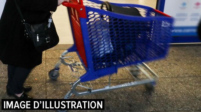 Deux escrocs arrêtés en région liégeoise: ils prétendaient récolter de l'argent pour de bonnes œuvres devant des supermarchés