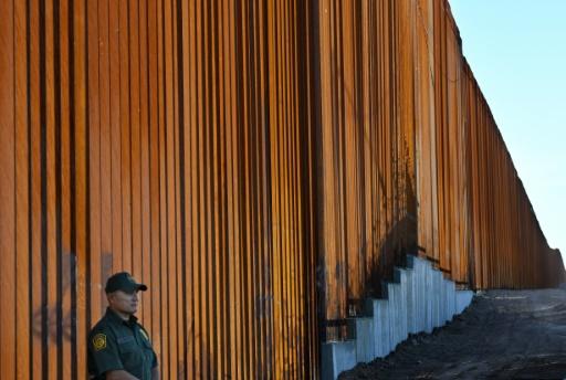Migrants: Trump veut interdire aux clandestins de déposer des demandes d'asile