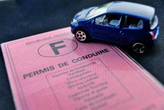 Annonce surprise de Macron d'une baisse drastique du coût du permis de conduire