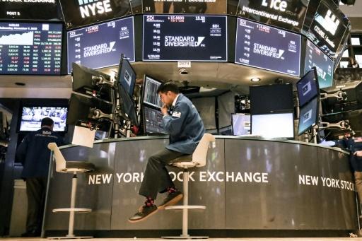 Wall Street, affaiblie par des indicateurs chinois, finit en baisse