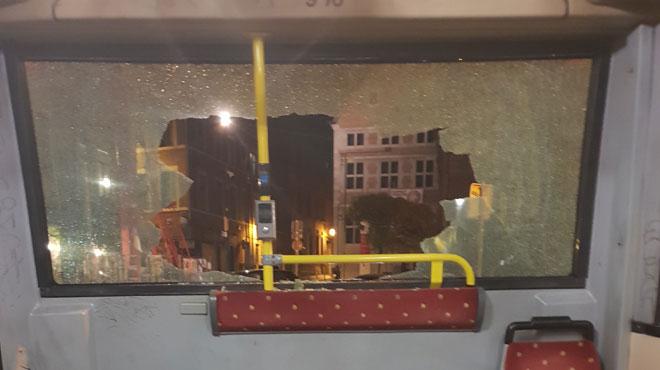 Un bus TEC vandalisé en plein trajet à Liège: