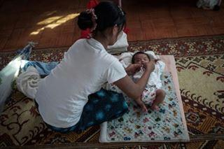 La stigmatisation des mères célibataires en Birmanie