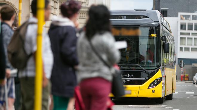 Un chauffeur de bus TEC condamné: il avait l'habitude d'exhiber son sexe et de se masturber en public à Louvain-la-Neuve