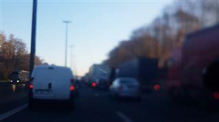 Accident sur la E42 à Sambreville- deux bandes de circulation obstruées, le trafic à l'arrêt 4