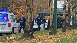 Il a brûlé des feux rouges et a roulé sur les trottoirs- la police bruxelloise arrête un véhicule suspect après une dangereuse course-poursuite 3