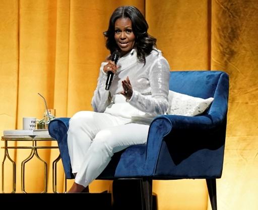Michelle Obama reporte sa visite à Paris afin d'assister aux obsèques de Bush