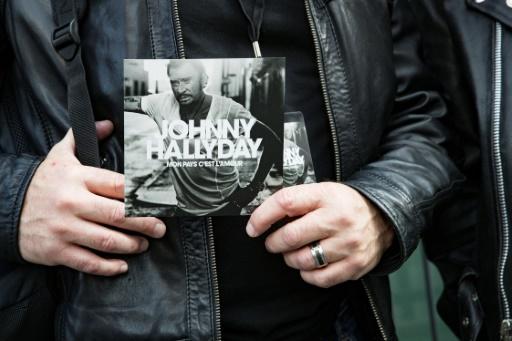Téléthon: le dernier double album de diamant de Johnny aux enchères