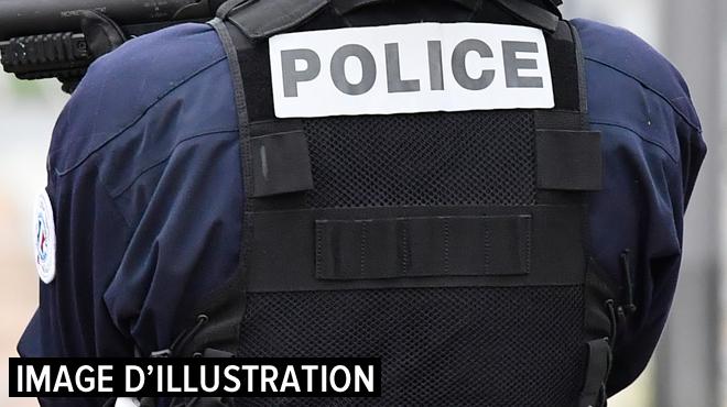 France: un professeur d'une université tué au couteau devant l'établissement