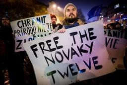 Les 3 militants belges de Greenpeace arrêtés en Slovaquie, de retour en Belgique