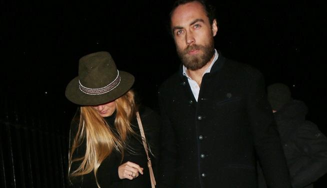 James Middleton amoureux? Le frère de Kate photographié avec une mystérieuse blonde à son bras (photos)