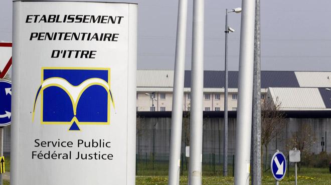 La justice oblige l'État belge à organiser le transfert de détenus radicalisés vers le tribunal: ils veulent se plaindre de leurs conditions de détention