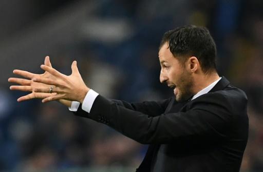 Allemagne: Schalke défie Dortmund dans