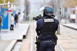 Lycéens blessés en France: 200 personnalités appellent au retrait immédiat du flashball